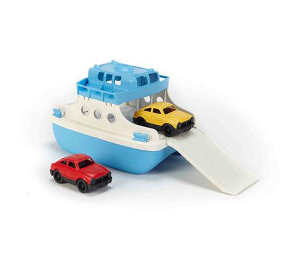 Fähreboot mit Fahrzeugen